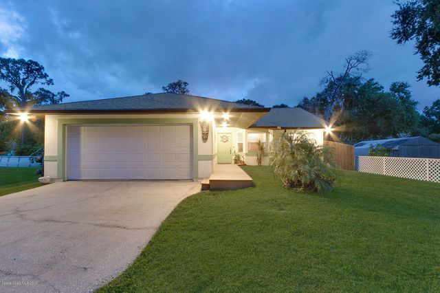 535 Vine St, West Melbourne, FL 32904 3 Bed, 2 Bath
