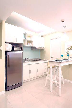 A Cozy And Compact 25sqm Condo For A Newlywed Couple Rl Condo Kitchen Condo Interior Design Condo Interior
