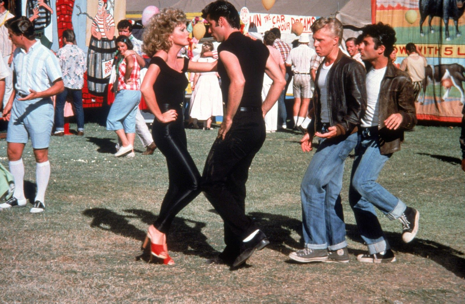 15 Grease Wallpapers Grease Backgrounds Grease Movie Iconic Movies Olivia Newton John