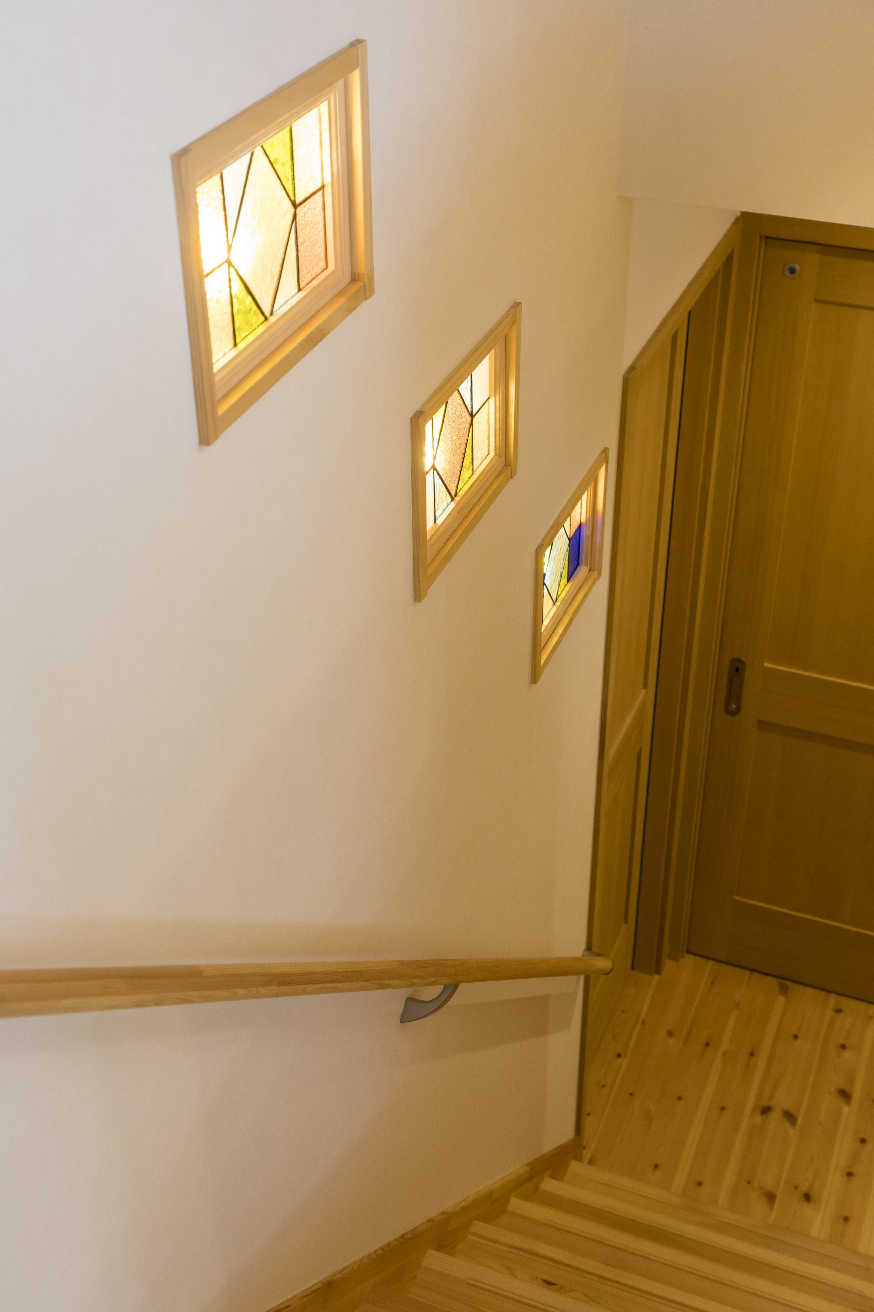 階段 ステンドグラス 施工事例 Bino Bino播磨 中塚組 階段
