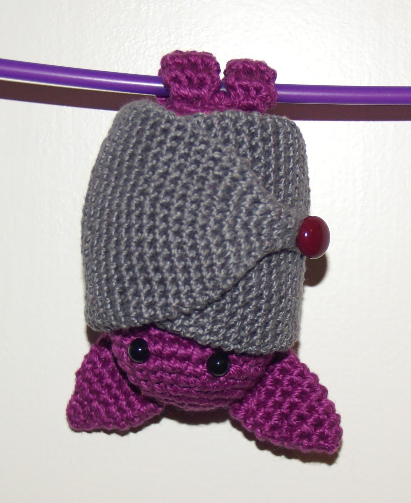 Amigurumi Bat. Pattern in Spanish, but with google