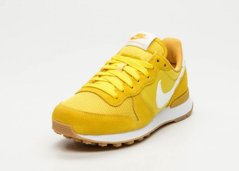 finest selection da3aa 4edef Nike Wmns Internationalist (Vivid Sulfur   Sail - Mineral Yellow - White)