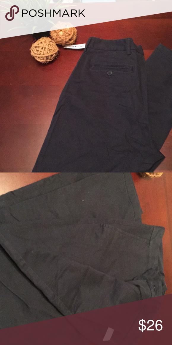 24f4c365 Navy Blue khaki Old Navy pants 31x32 Old Navy Navy blue khaki pants Size  31x32 Loose fit Can be used as uniform pants Old Navy Pants Chinos & Khakis
