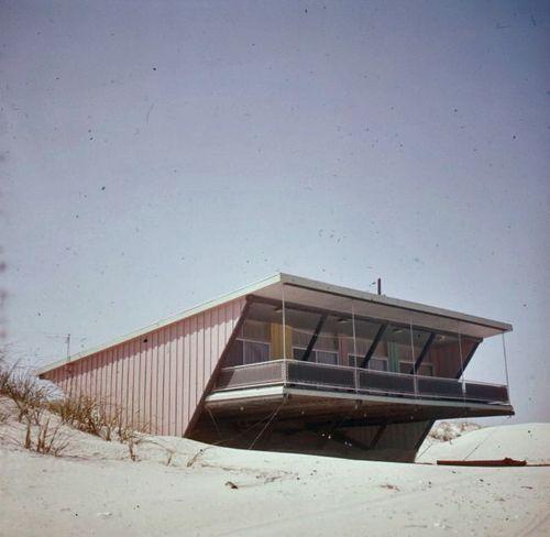 1950s Modernist cottage, Galveston, Texas.