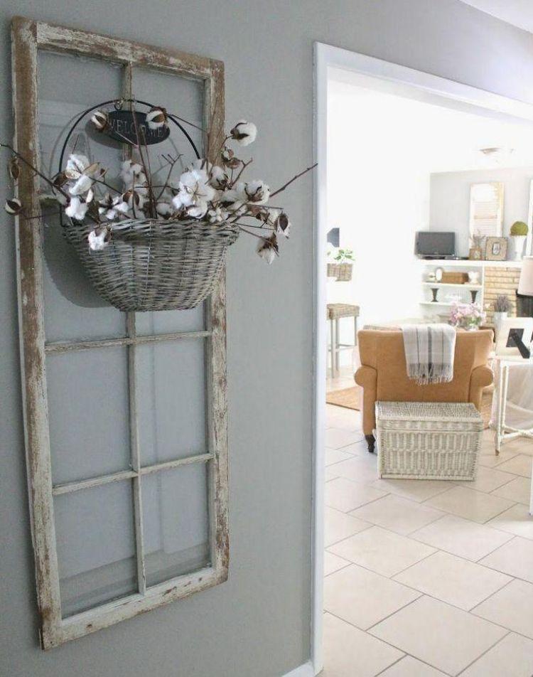 Alte Fenster Dekoration Wanddeko Fensterrahmen Wandfarbe Grau Wohnzimmer  Flechtkorb Blumen