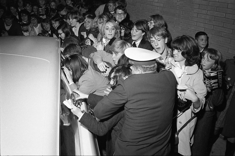 Beach Boys Louisville Ky Freedom Hall Dec 30 1964 In 2021 Louisville Ky Louisville Beach