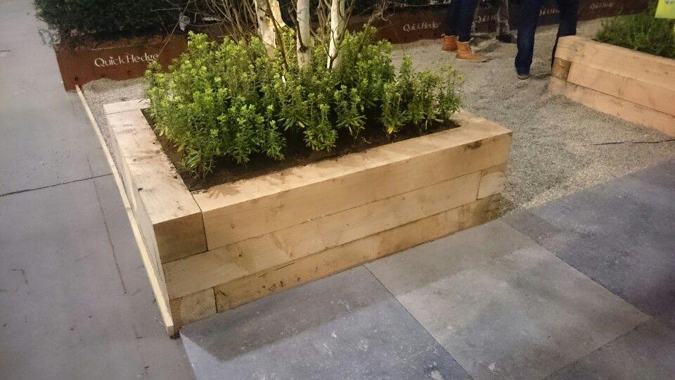 Strakke border bak van douglas hout tuinidee beurs 2016 furniture pinterest more - Tuin idee ...