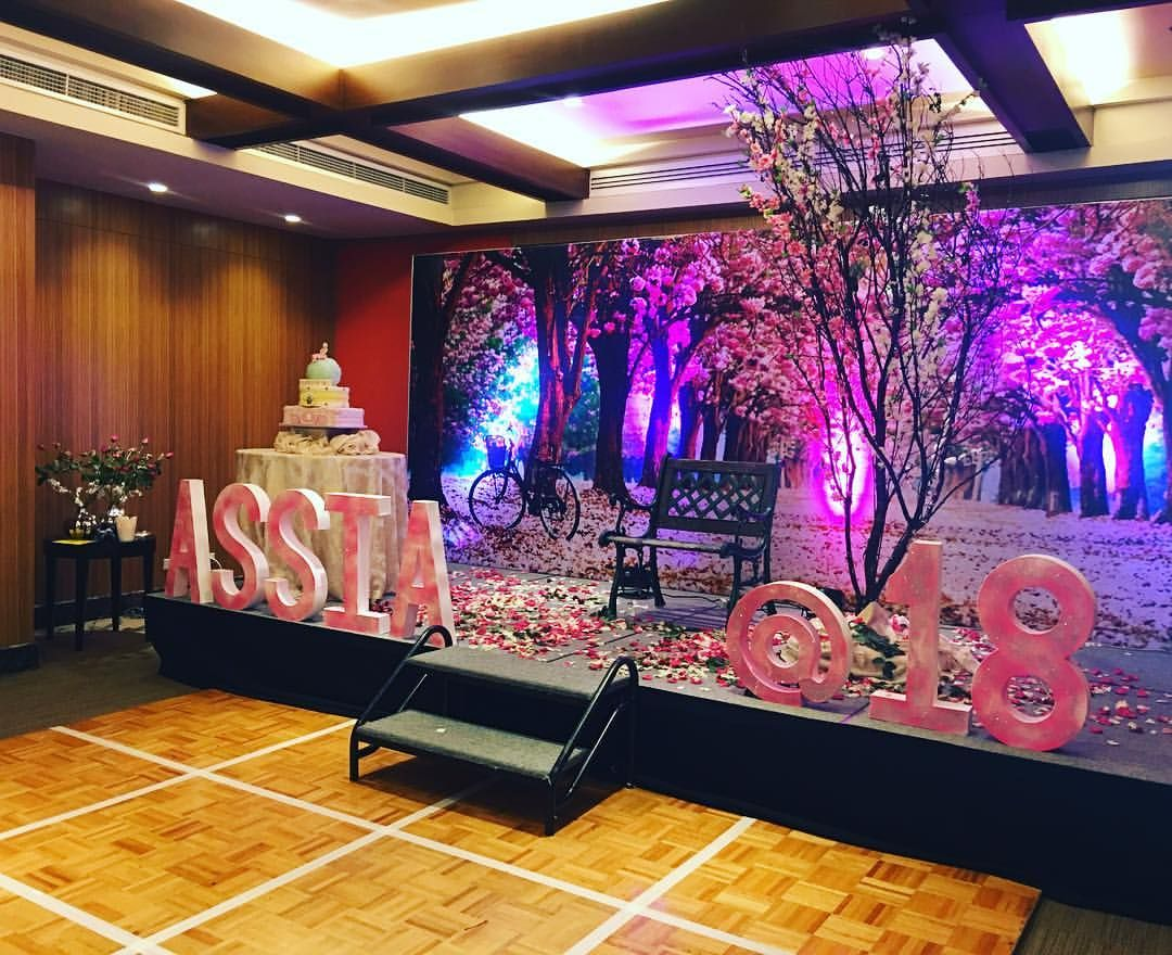 A Beautiful Stage For The Debutant Assia Cherryblossoms