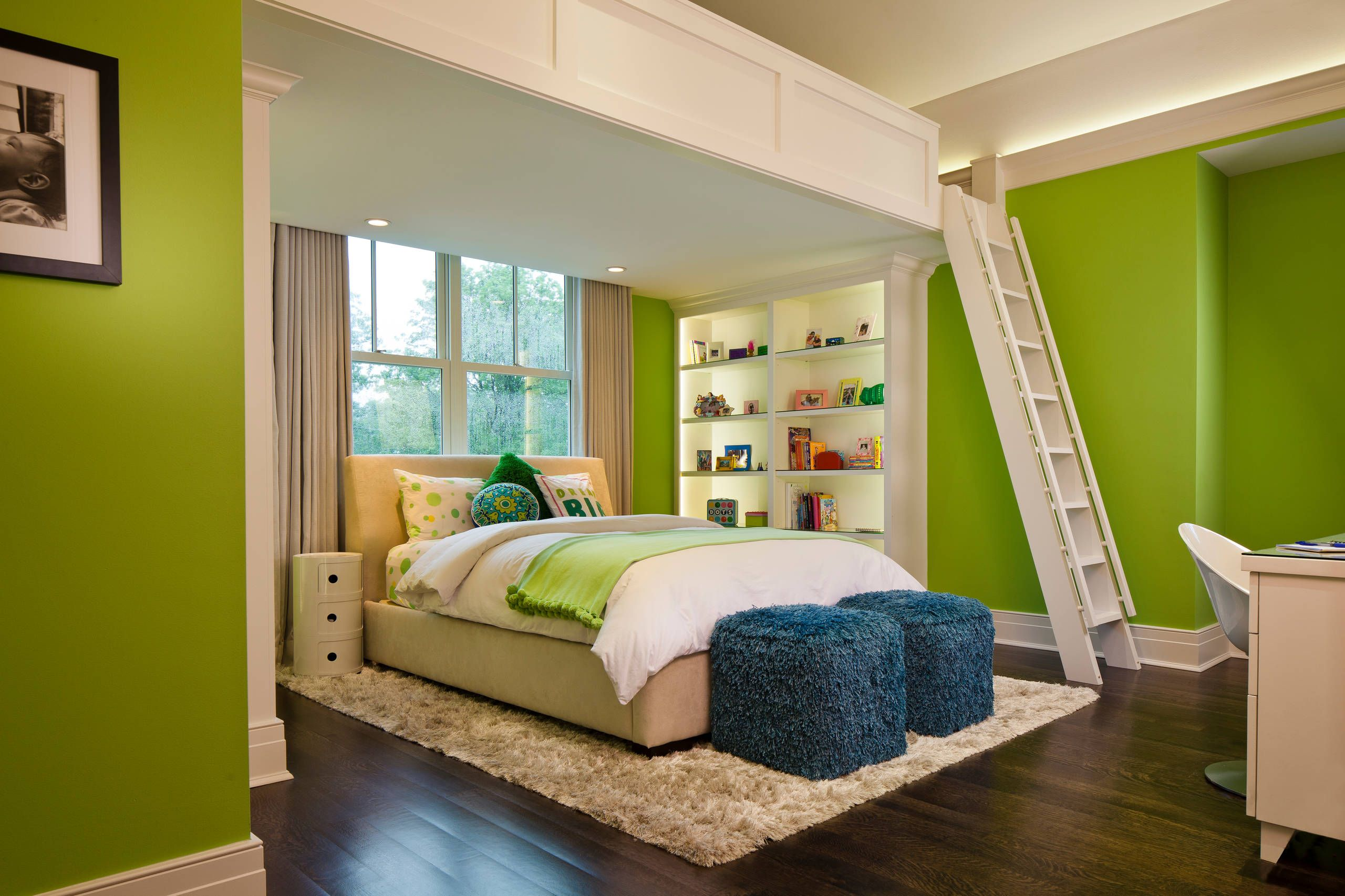 Fantastic Loft Beds For Teenagers As Teenagers Favorite: Lime Green Wall  Color With Shag Rug