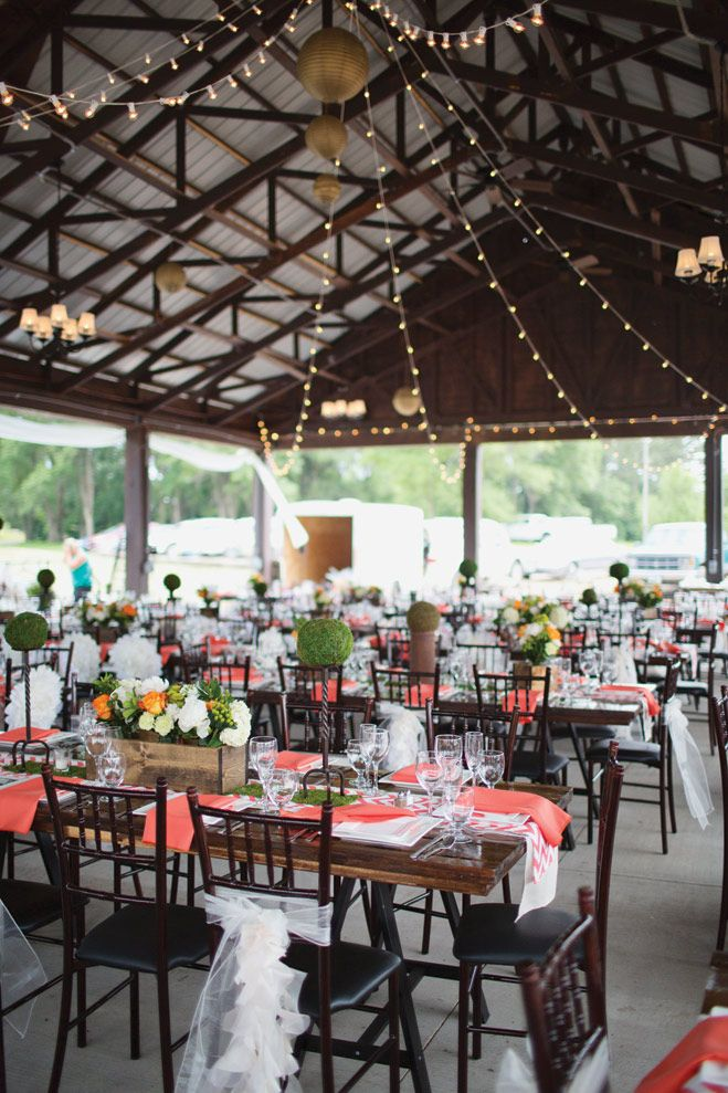 A Vintage Inspired Barn Wedding At Hope Glen Farm Minnesota Bride Magazine