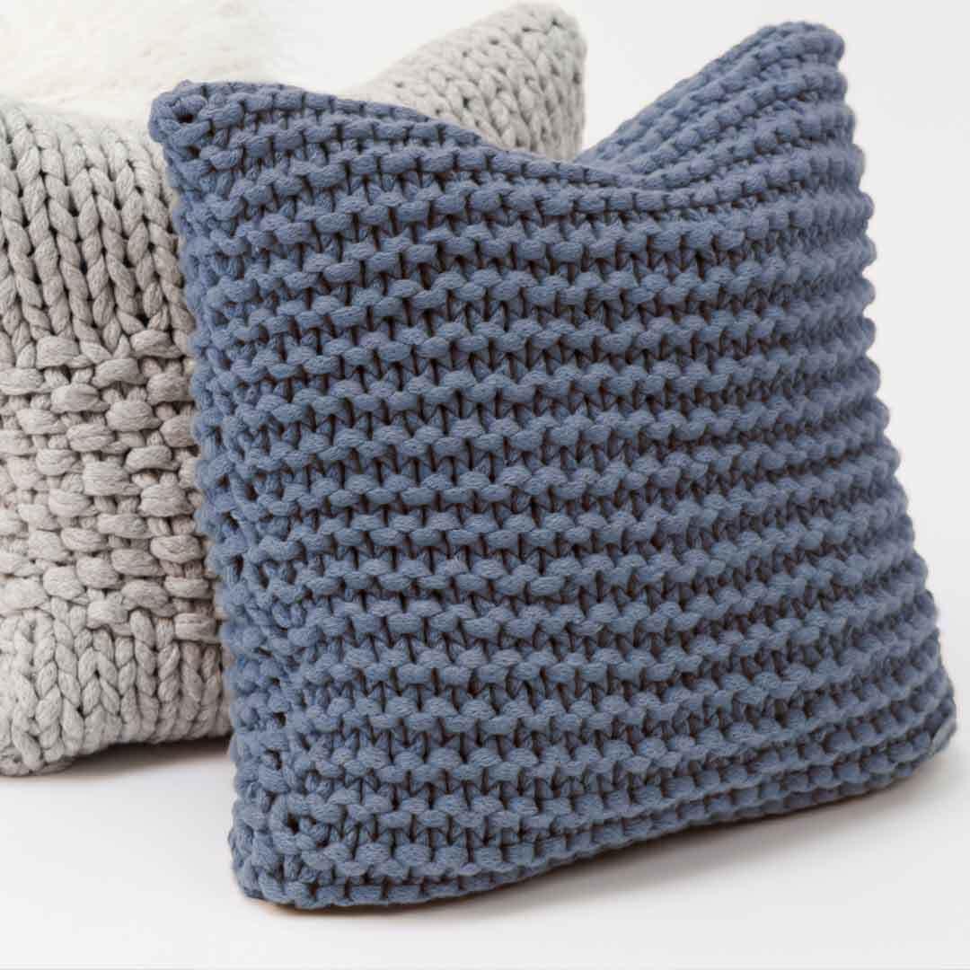 pin von nati auf strick pinterest stricken kissen und. Black Bedroom Furniture Sets. Home Design Ideas