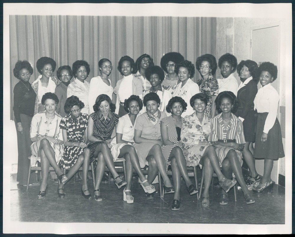 PT PHOTO aax-839 Alpha Kappa Alpha Philadelphia Pennsylvania Clubs and Organizat | eBay    back says Epsilon Nu and is dates 1976