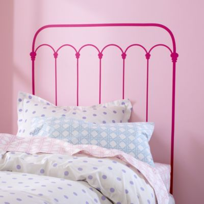 I Wanted To Spray Paint An Antique Wrought Iron Bed Pink For Our