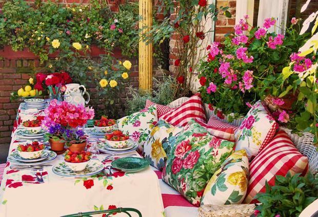 Estampas e muitas plantas fazem sempre bonito, em Los Angeles ou em São Paulo.