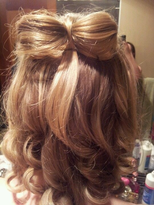 My talented friend did a hair bow for me, I think it looks snazzy