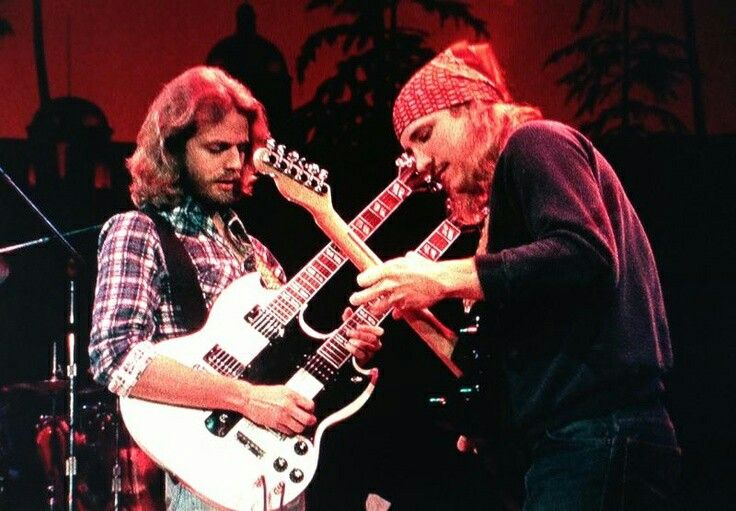 Don Felder & Joe Walsh. Hotel California live I presume.   Screen Savers in 2019   Eagles band ...