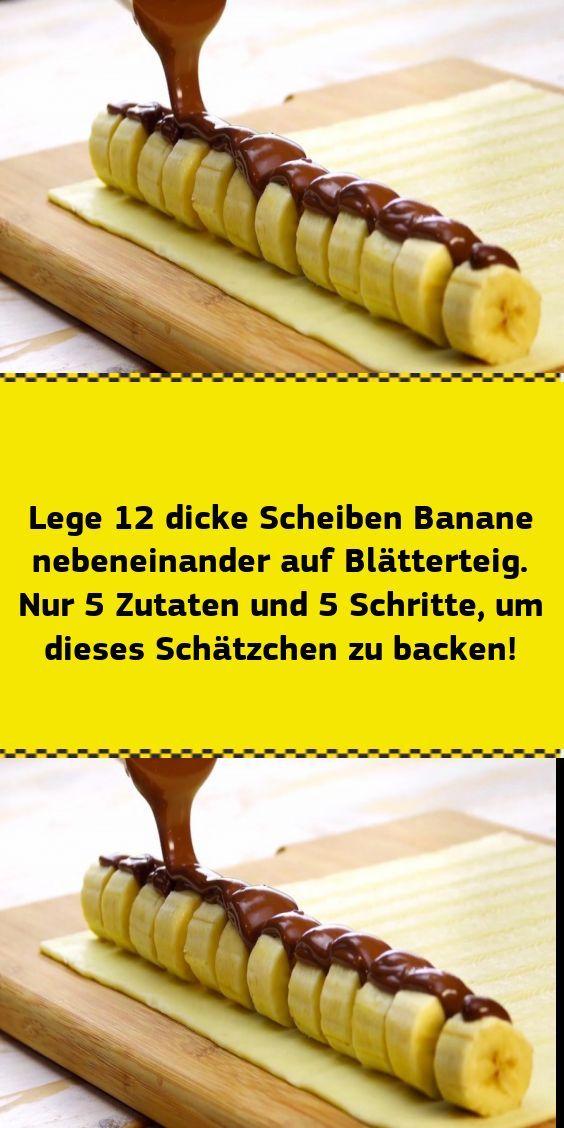 Coloque 12 rebanadas gruesas de plátano una al lado de la otra sobre hojaldre. Solo 5 ingredientes y 5 pasos alrededor de esto