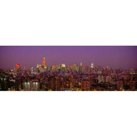 Posterazzi Manhattan at Night Canvas Art - Richard Berenholtz (12 x 36)