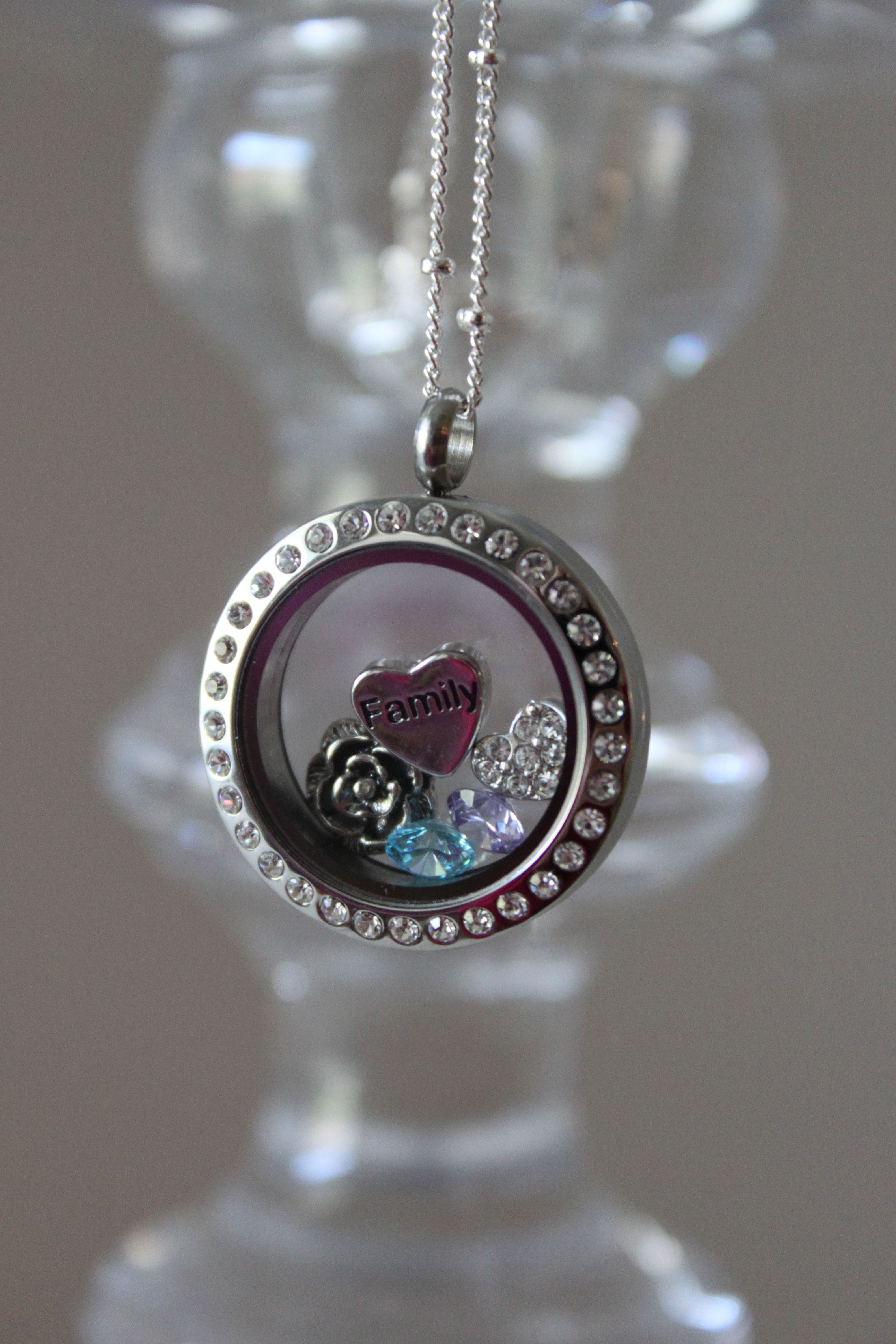 "Custom locket by Origami Owl with ""family"" heart ... - photo#48"