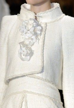 white fashion details | Keep the Glamour | BeStayBeautiful