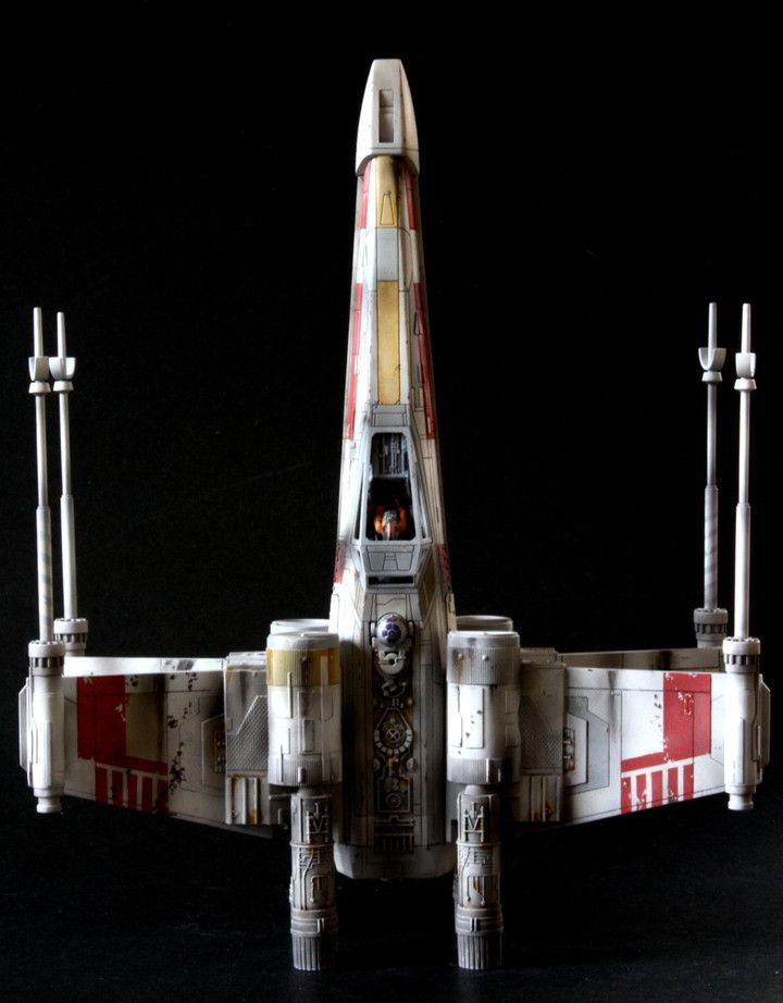 BANDAI 1/72 Scale Model X,Wing Red5 Top view