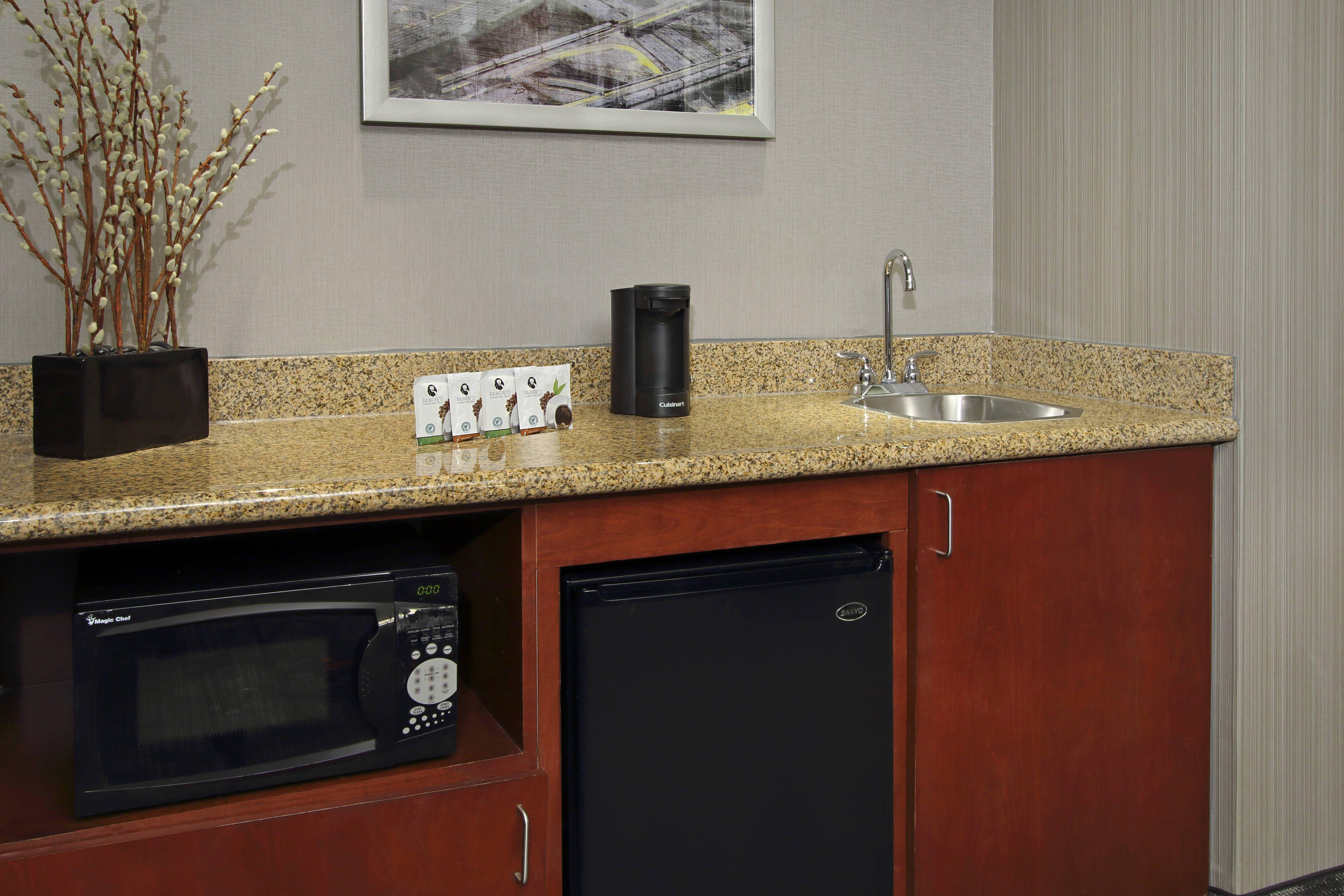 Courtyard Atlanta Airport West OneBedroom King Suite In