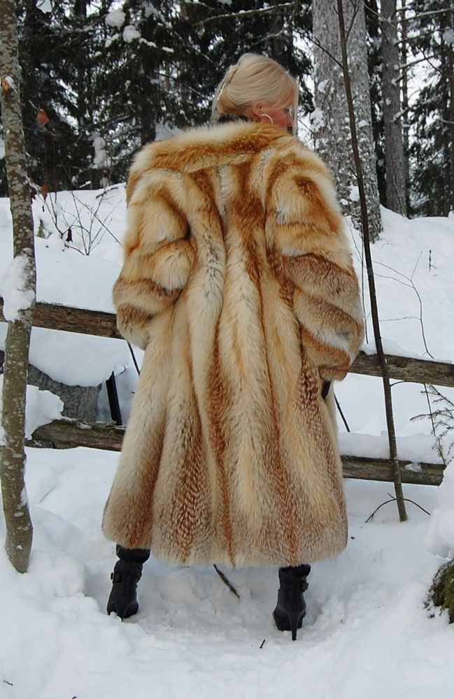 golden island saga redfox long furcoat clothing shoes. Black Bedroom Furniture Sets. Home Design Ideas