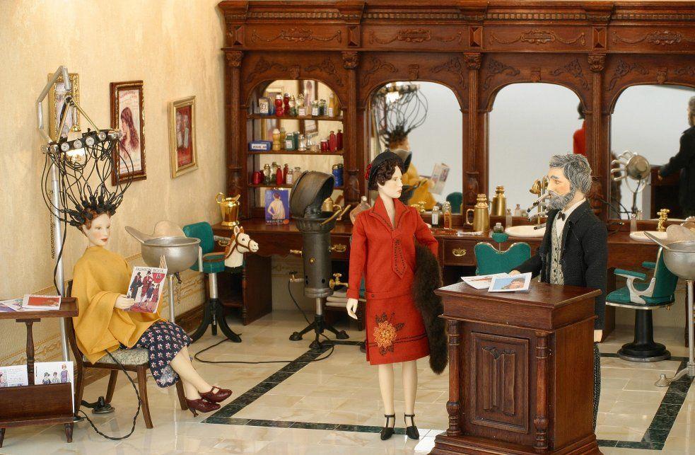 1929 hair salon hair fashion dolls, miniature dolls, roaring 20s1920 Hair Salon Design #18