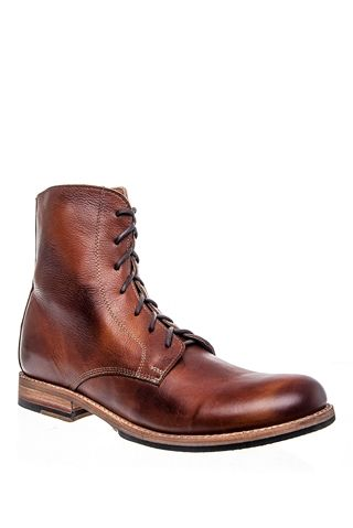 Men's Bolter Casual Flat Boot - Tan Glove BY Bed|Stu at DNA FOOTWEAR | Full grain leather in an old world construction with a hand wash finish that only becomes more unique with age makes for a gorgeous boot. Lemon wood pegs allow for leather to expand and contract for an individual fit that feels custom built. #DNAHOLIDAY