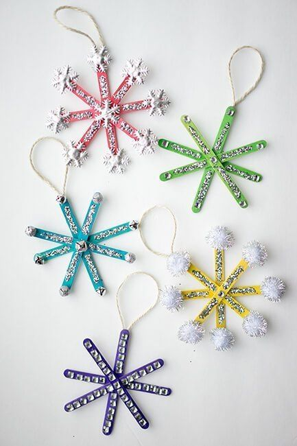 Easy DIY Glitter Popsicle Snowflake Ornament. Simple yet beautiful dollar store craft gift idea anyone can make, even kids, #Christmas #kidcrafts