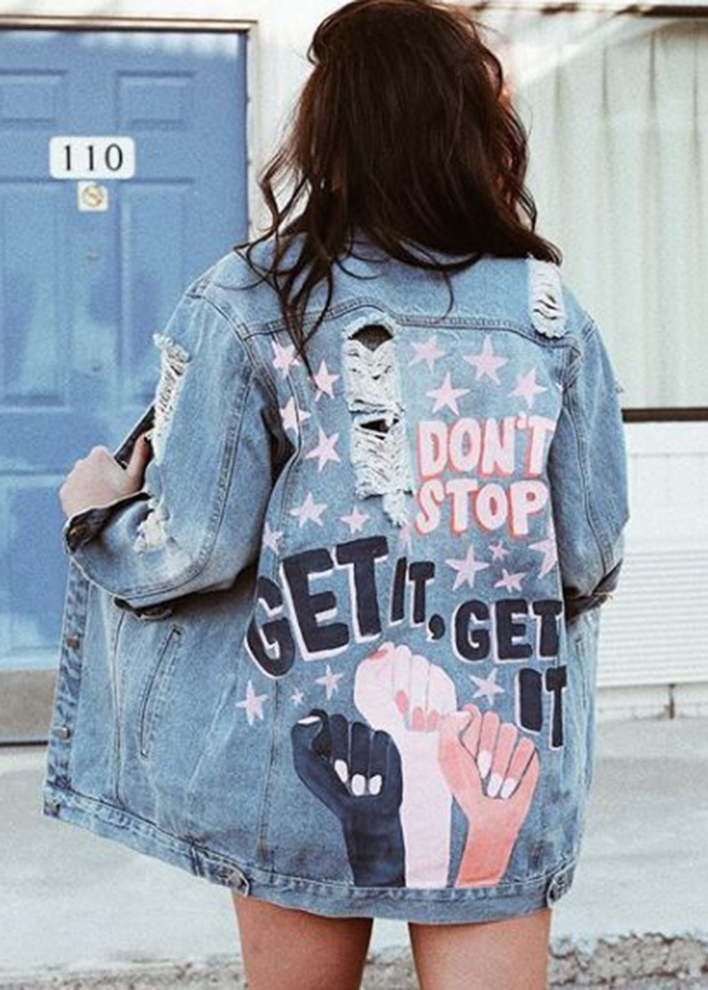 Blue Denim Painted Jean Jackets #denimjacket #diyclothes #paintedclothes  #denimdiy #diyfashion #diydenimjacket #denimart  #artclothes #painteddenimjacket #jeanjacket