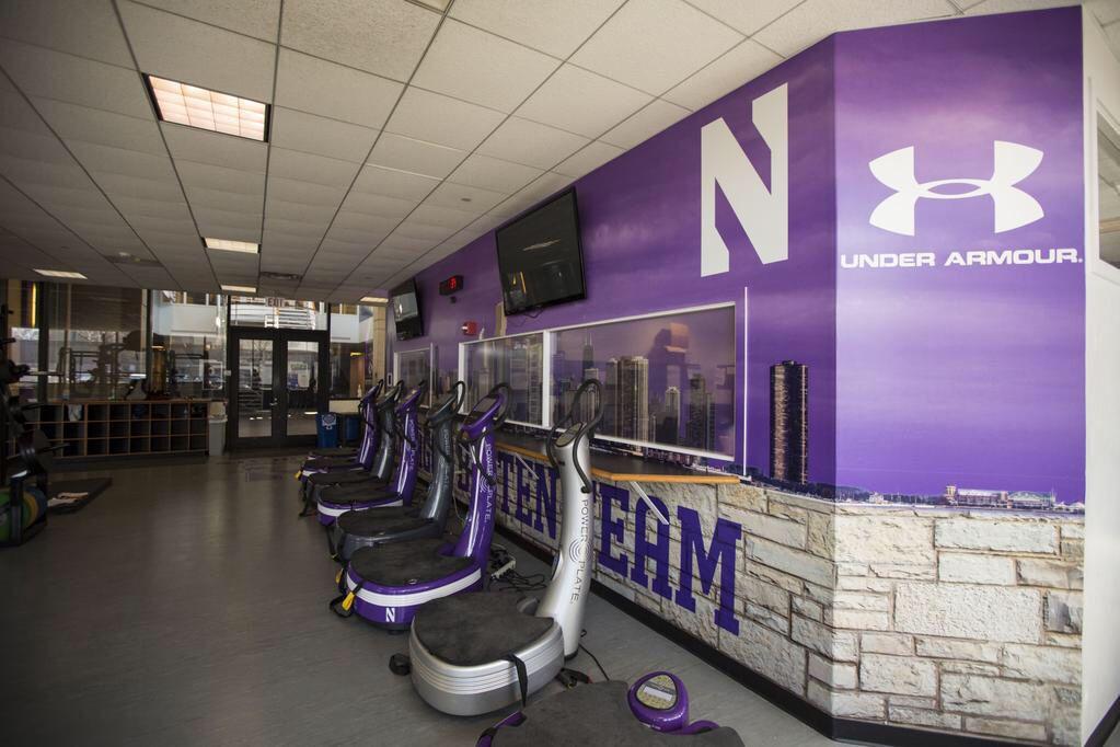 Northwestern University Weight Room Large Format Murals - Weight room design
