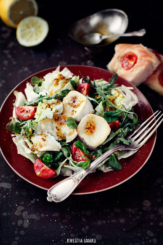 Warm goat cheese salad with French mustard