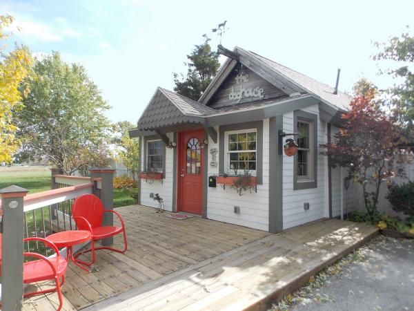 House Hunting 6 Homes For Animal Lovers Dog Houses Pet