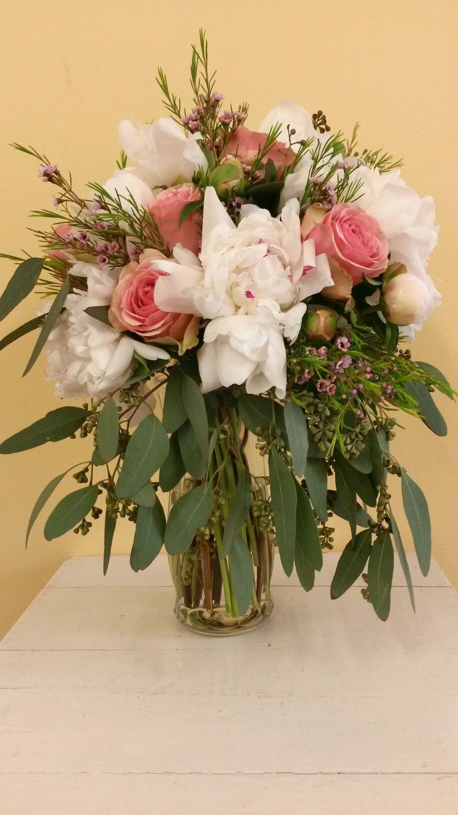 Fresh flowers !!Coral roses , white peony's ,seeded