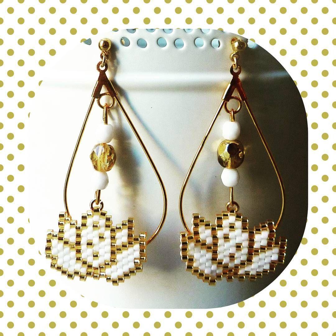 ♧♣♧ Création du weekend, faite à partir du lotus de @lili_azalee ♧♣♧ #bouclesdoreilles #earrings #lotus #miyuki #miyukibeads #brickstitch #jenfiledesperlesetjassume