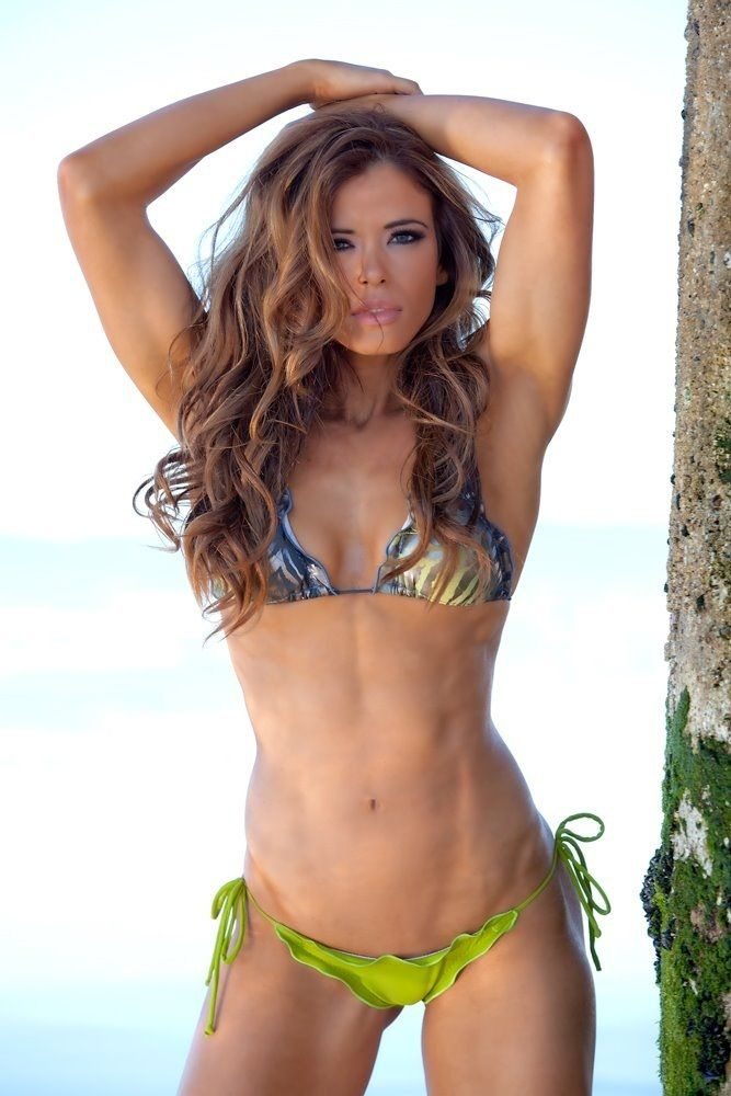Delia iturrondo model Ana fitness