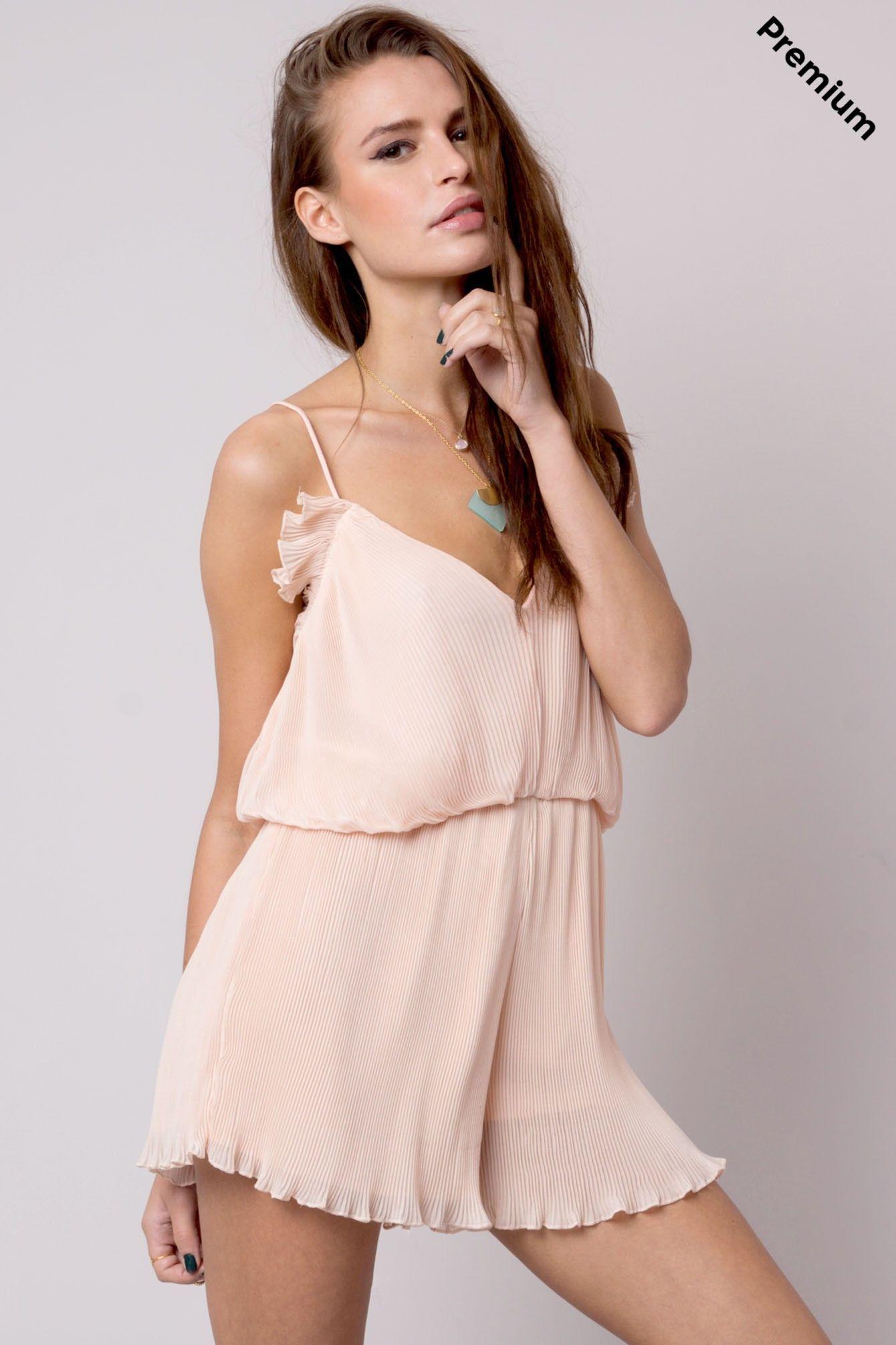 ede93567d209 Mono corto plisado rosa Wang #FPwang € 19,90 | teens | Plisado, Ropa ...