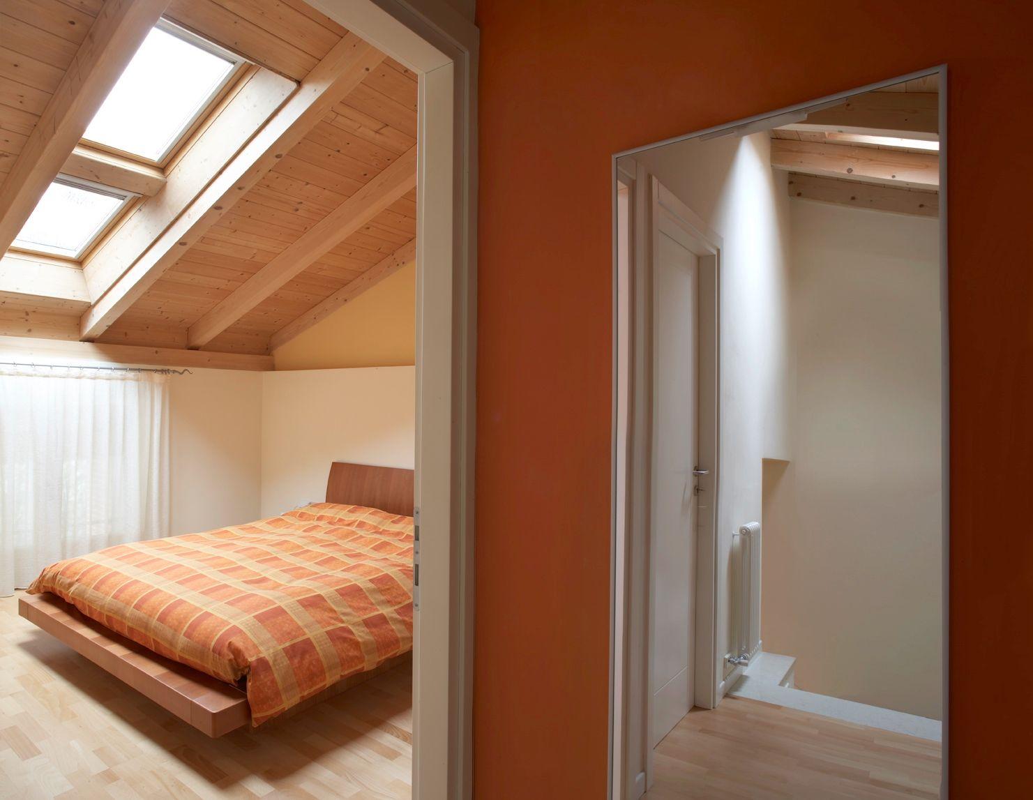 Interni tetto bianco cerca con google casa nuova for Illuminazione travi a vista