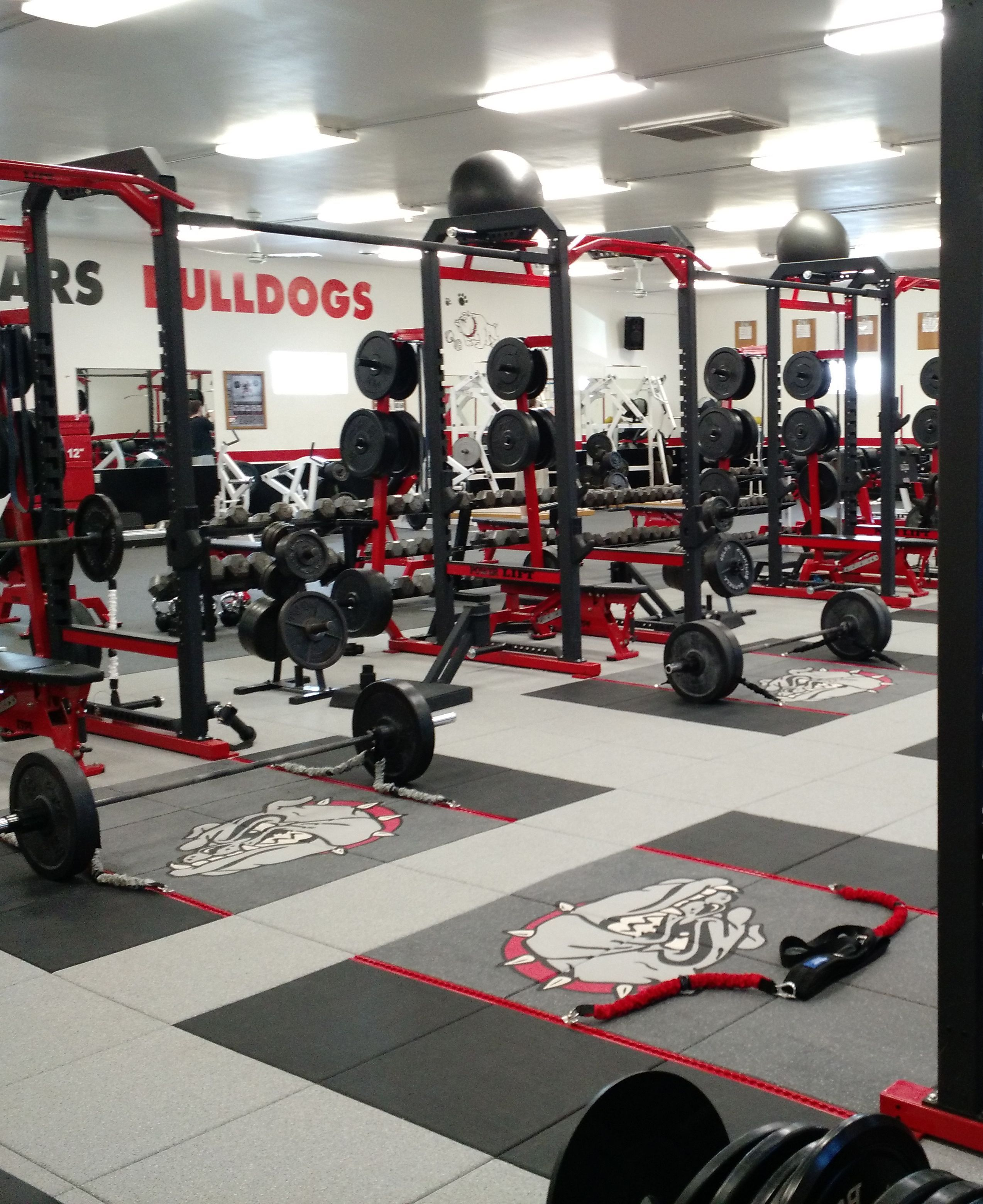 Lamars High School Weight Room Retrofit With Perform X Training Systems Lemars Iowa High School School Train