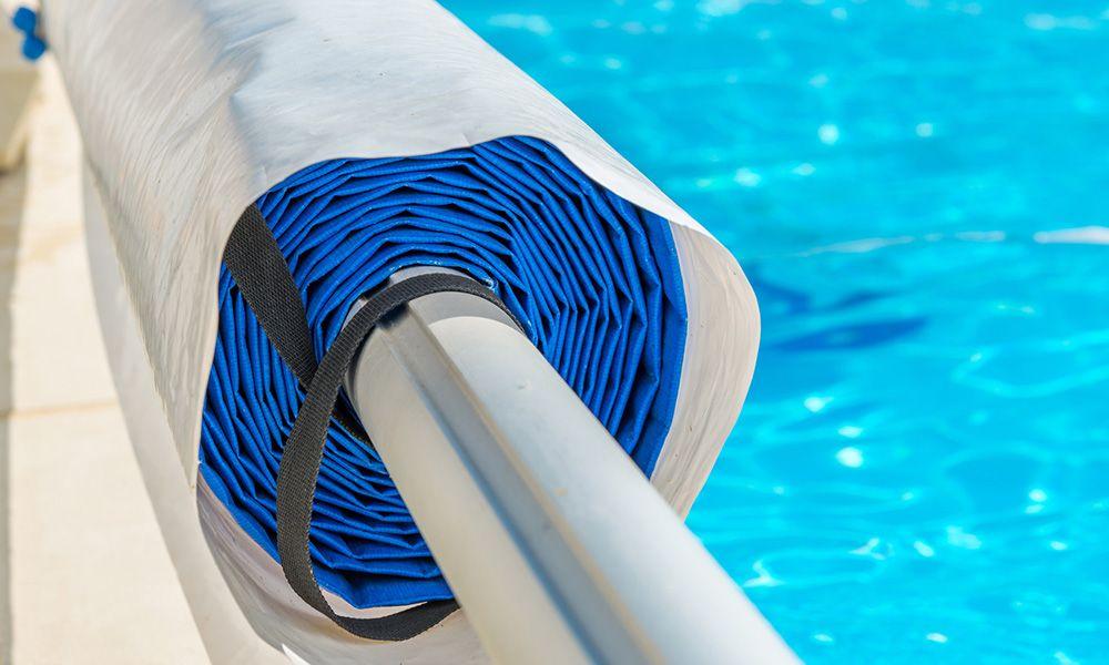 Prix d une couverture de piscine b che de piscine - Couverture piscine automatique prix ...