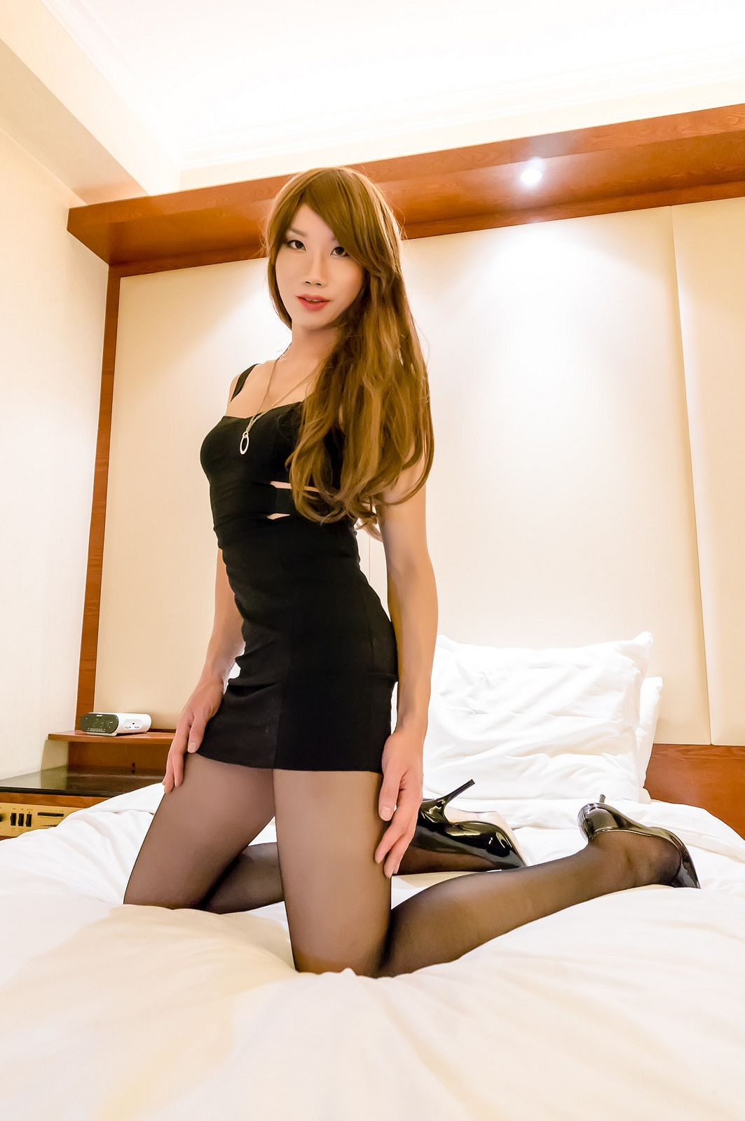 black white ts escort hong kong