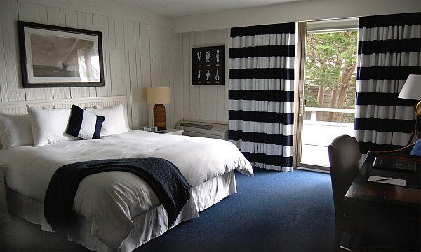 Maritimes Schlafzimmer ~ Maritimes schlafzimmer mit blauem teppichboden schlafzimmer