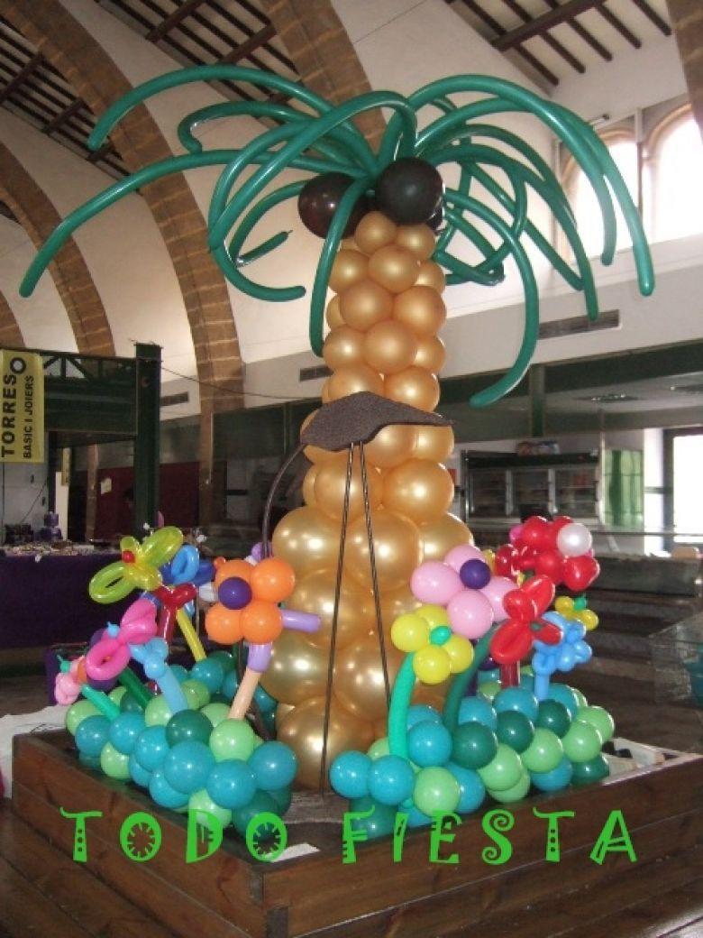 Palmera de globos con base de flores decoraci n con - Decorar con globos ...