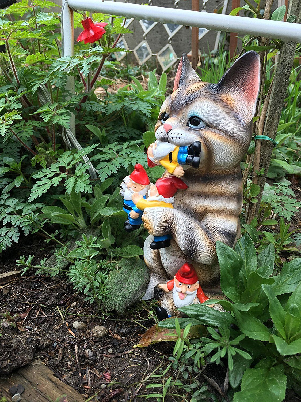 AmazonSmile : GARDEN GNOME STATUE - Cat massacre - funny Knomes ...