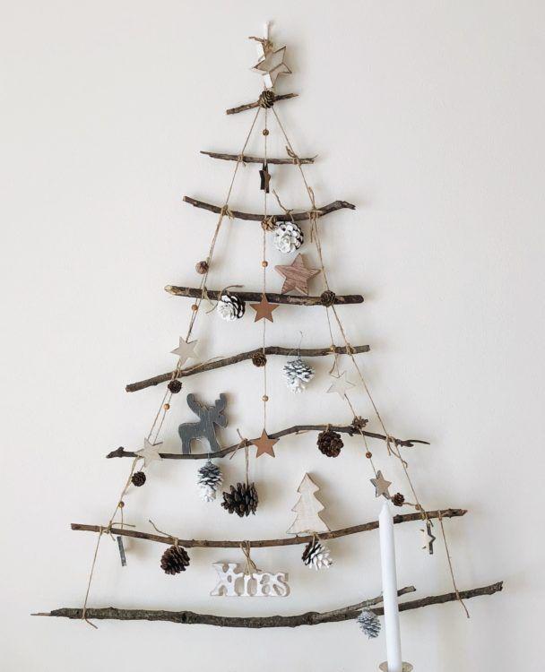 Photo of 木の枝で簡単おしゃれにクリスマスウォールデコ♪【小枝のクリスマスツリーの作り方】クリスマスインテリアアイデア★