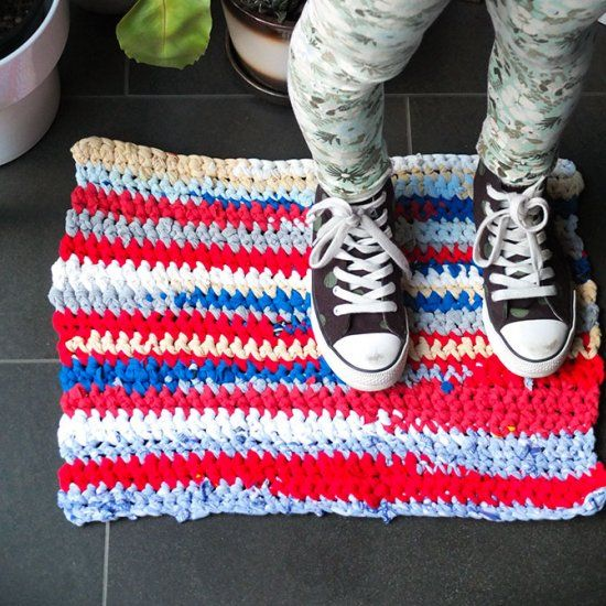 Turn A Pile Of Old T-shirts Into This Upcycled Crochet Rag
