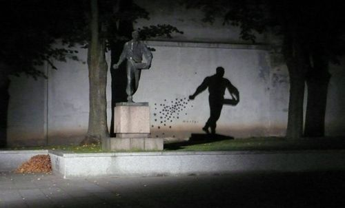Amazing Examples Of Shadow Art Shadow Art Kumi Yamashita And - 21 amazing examples of graffiti