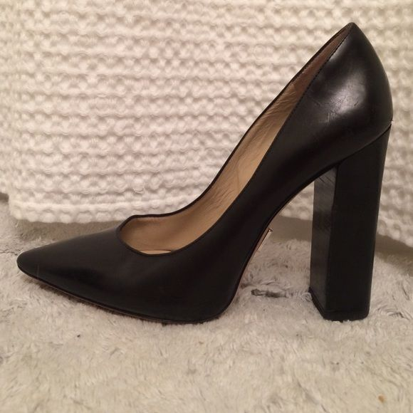 d52c87dc423 Michael Kors Collection block heel leather pump Classiy beautiful pump with  stunning arches. Genuinel Michael Kors Collection. Wear to soles and light  wear ...