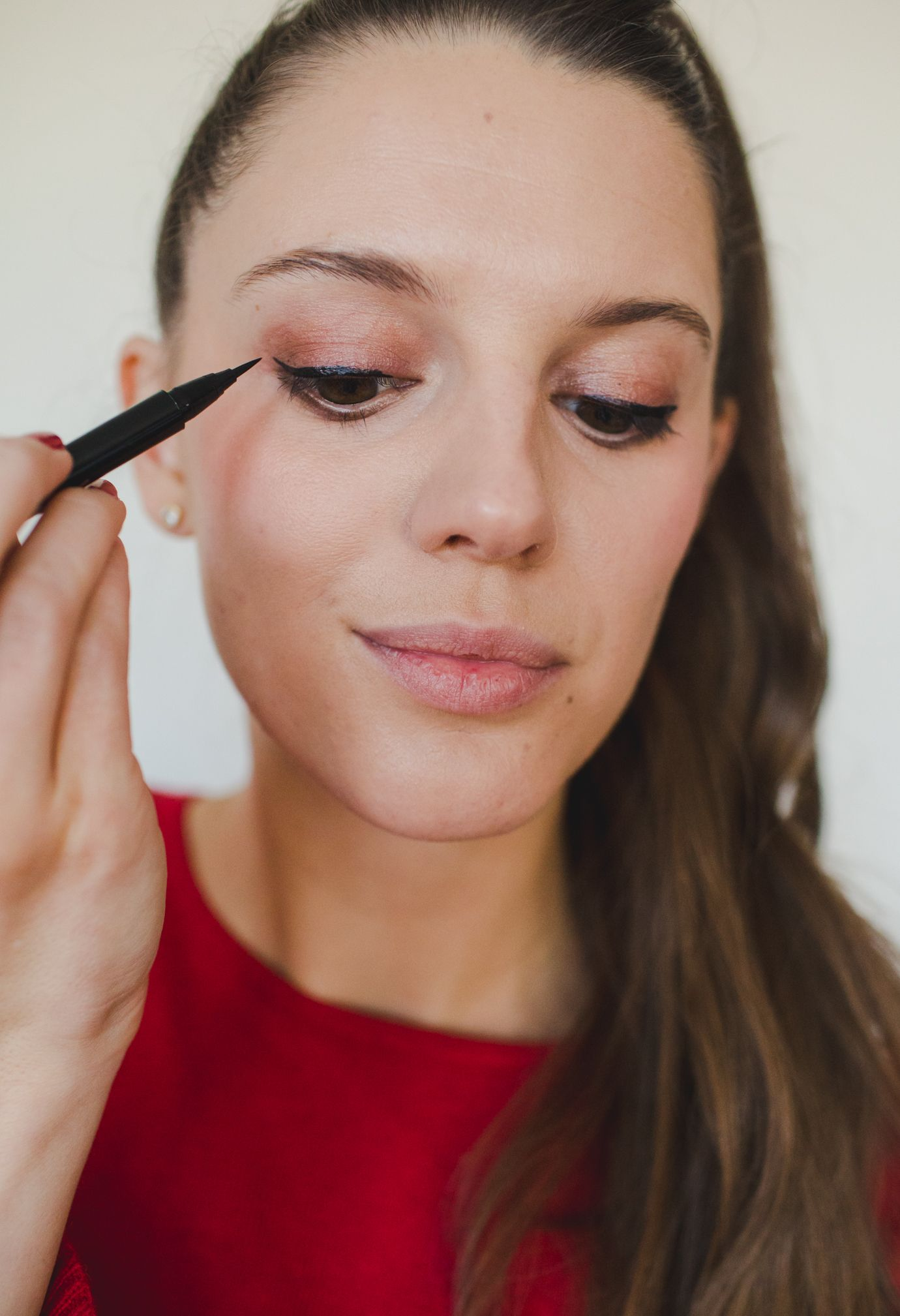 Classic & Simple Holiday Party Makeup Holiday party